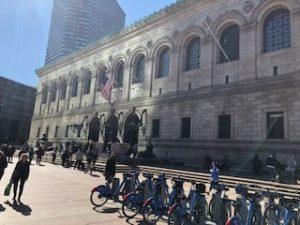 まるで美術館のようなボストン公共図書館